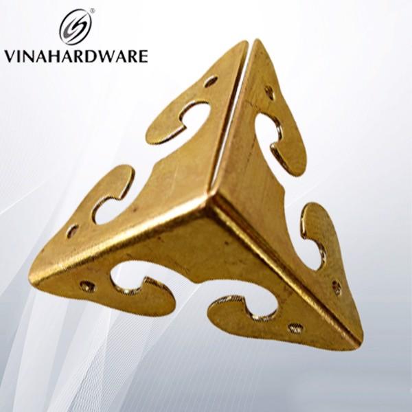 Pát sắt góc giả cổ vàng P8300S