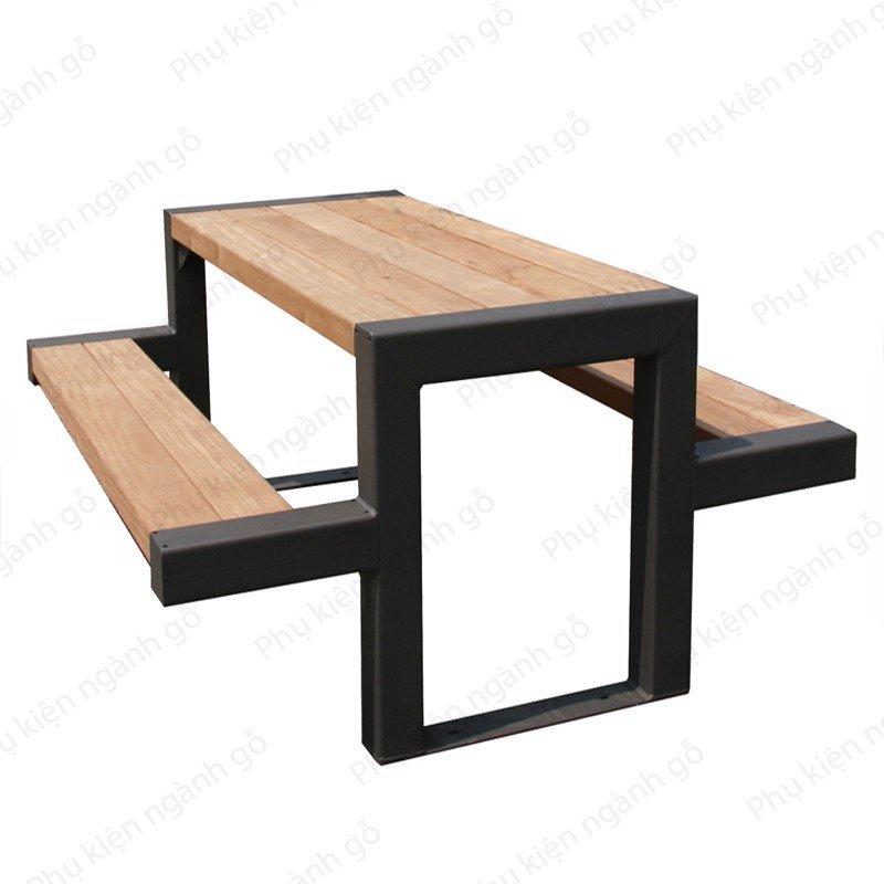 Khung bàn sắt sơn đen cao 74cm rộng 60cm SP028375 (Cái)