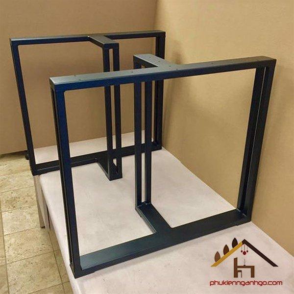 Khung chân bàn sắt sơn đen chữ T cao 720mm rộng 600mm VNH028479 (Cặp)