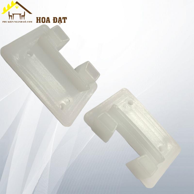 Pát (Bas) nhựa hai lỗ 62x40x3 - trắng VNH2208305 (cái)