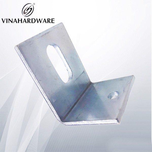 Pát sắt ke vuông lỗ oval - 30x45x37mm P403T (cái)