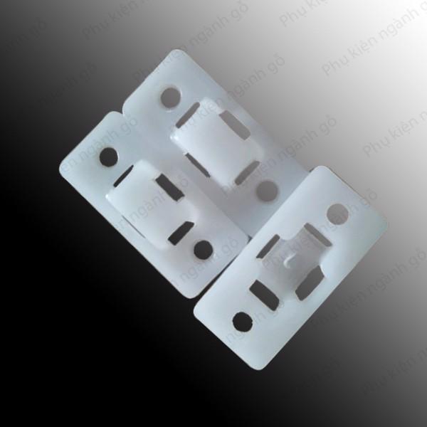 Pát nhựa neo chống lật tủ 22*48mm P2248
