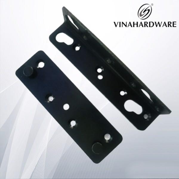 Bộ pát giường đen BB1301 (pát vuông: 132*25mm - pát thẳng: 130*38mm) (Bộ)