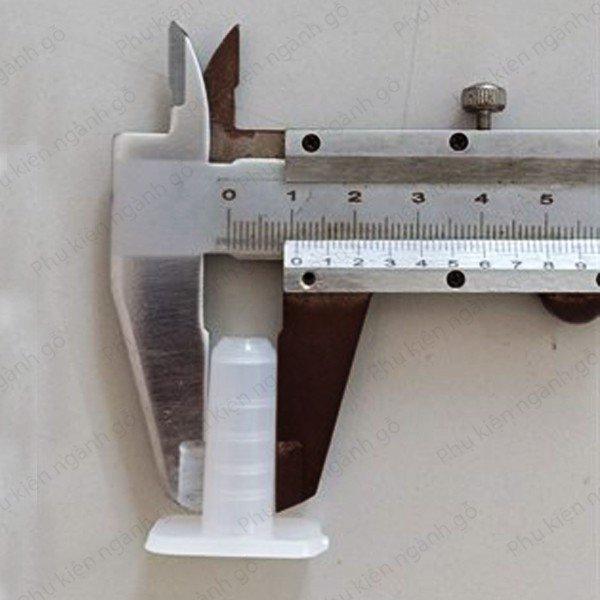 Nút nhựa dùng cho ty ren bánh xe 11x31mm WC11W (Cái)