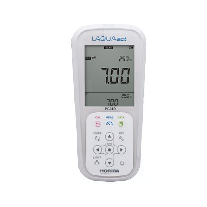 Máy đo pH/ thế ôxy hóa-khử (ORP)/ độ dẫn/ tổng hàm lượng chất rắn hòa tan (TDS)/ điện trở/ độ mặn cầm tay Horiba PC110