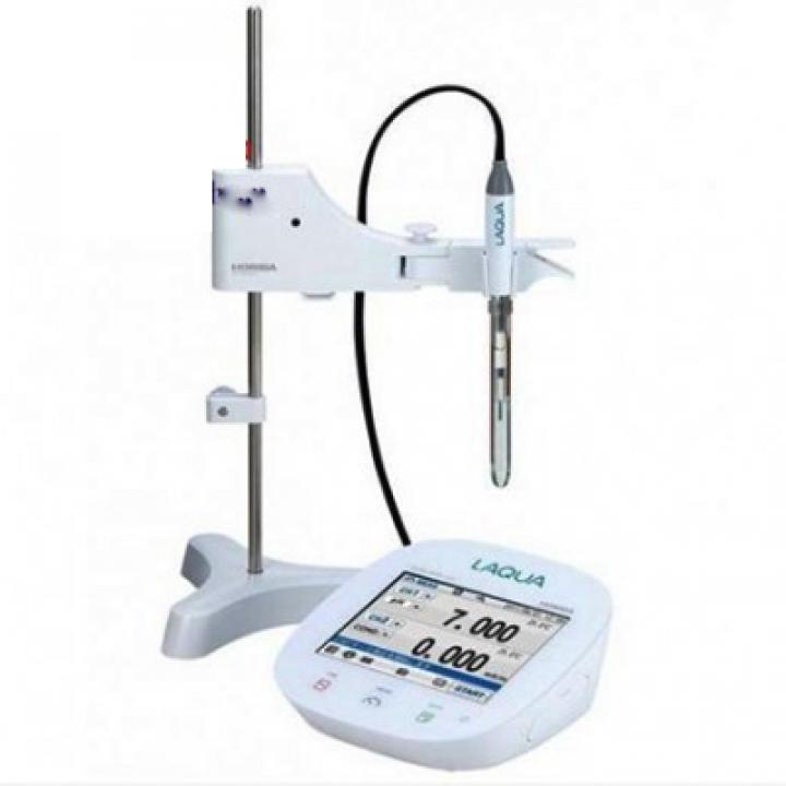 Máy đo độ dẫn/ điện trở/ độ mặn/ tổng hàm lượng chất rắn hòa tan (TDS) để bàn Horiba EC1100