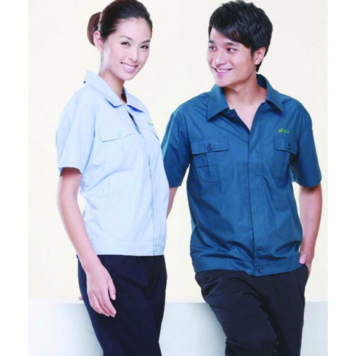 Quần áo vải kaki Việt Nam
