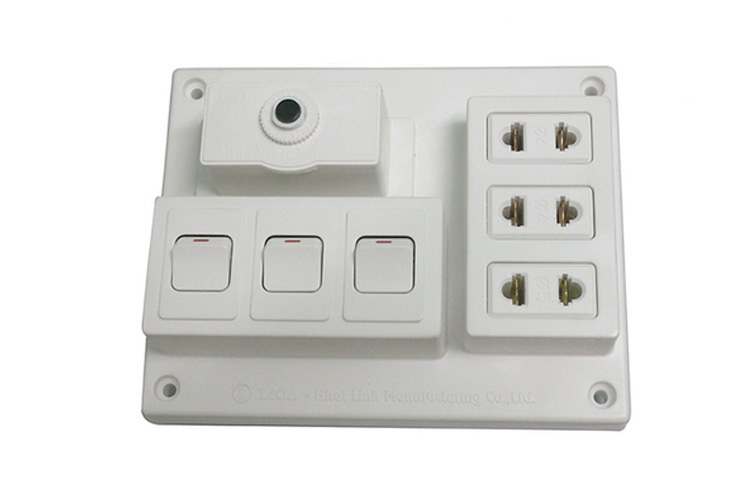 Bảng điện nổi CB 15A có 3 ổ cắm đôi 2 chấu và 3 công tắc 1 chiều LiOA B-CB15A3C