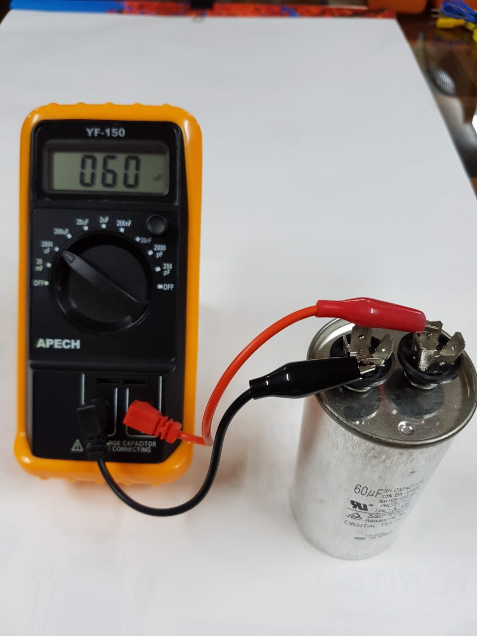 Đồng hồ đo tụ điện APECH YF-150
