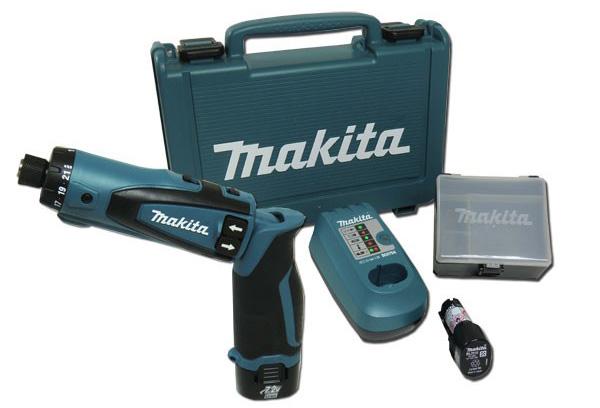Máy khoan vặn vít chạy pin Makita DF010DSE