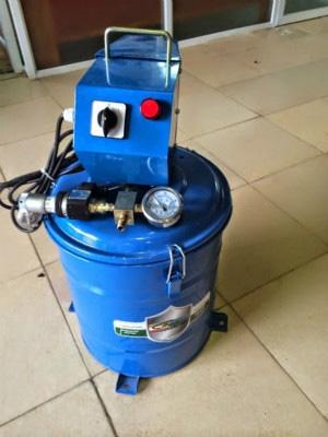 Máy bơm mỡ điện 40l Kocu K6040
