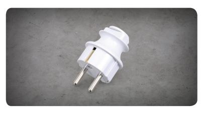 Linear Grounded Plug