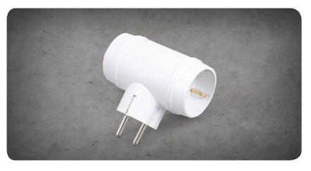 T-Shaped 3-Outlet Port Grounded Plug